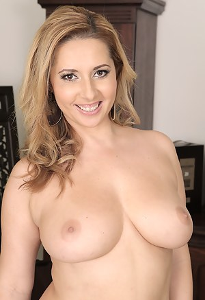 Free Perfect Tits Moms Porn Pictures