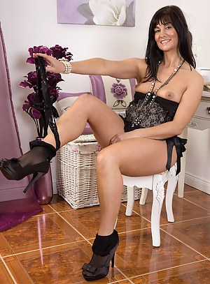Free Glamour Moms Porn Pictures