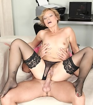 Free Moms Hardcore Porn Pictures