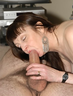Free Moms Blowjob Porn Pictures