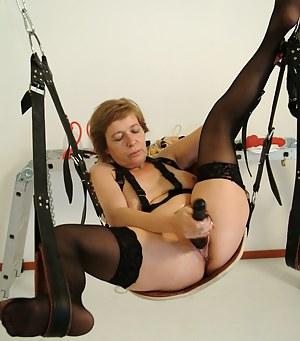 Free Moms BDSM Porn Pictures