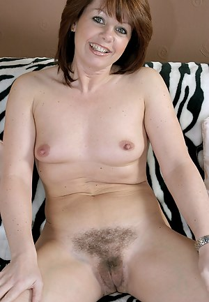 Free Moms Beaver Porn Pictures